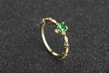 Load image into Gallery viewer, Green Stone Crystal Ring