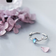 Load image into Gallery viewer, BLUE CRYSTAL ELK SILVER RING