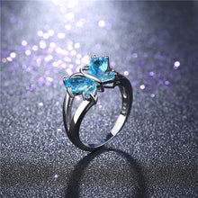 Load image into Gallery viewer, Butterfly Wings Chic Ring