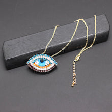 Load image into Gallery viewer, Rhinestones lips eyes wild necklace