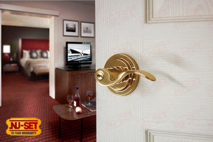 NuSet Santa Fe: Kwikset Keyed Entry Door Lever (Solid Brass)