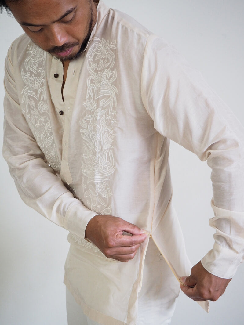 VINTA Relaxed Pechera Barong - Side View, Concealed Zipper