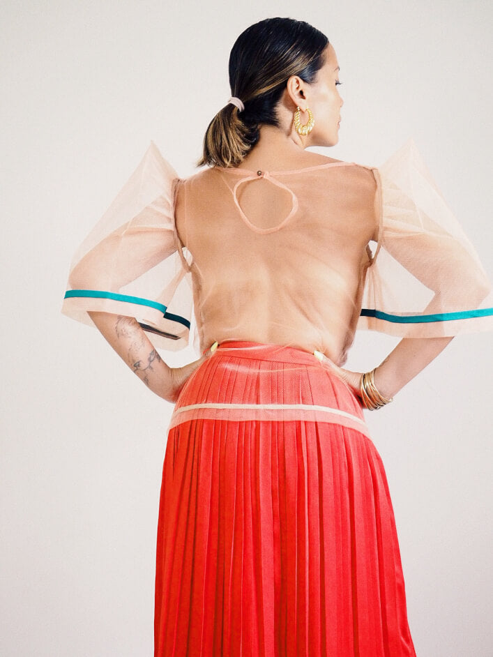 VINTA Tulle Camisa in Salmon - Back View, Untucked