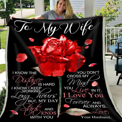 To My Wife Anniversary/Birthday Rose Blanket, Anniversary Valentine's Day Wife-Moon & Back