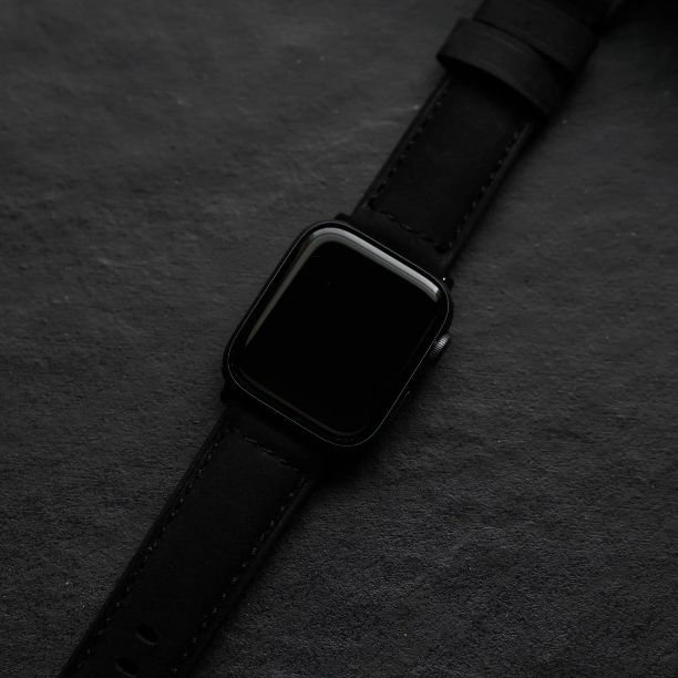 Bullstrap Leather Apple Watch Strap - Black Edition