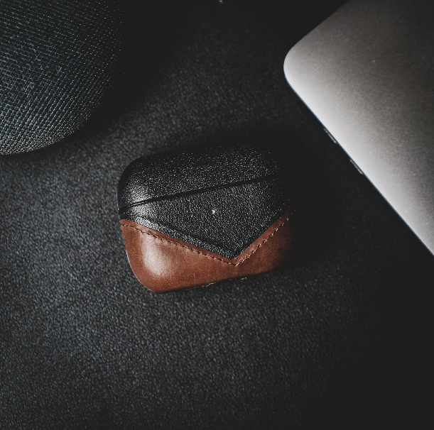 Bullstrap Leather AirPods Case