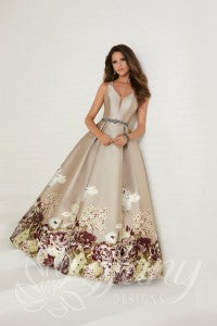 Tiffany 16291 is available in Latte Multi and in sizes 0-30.