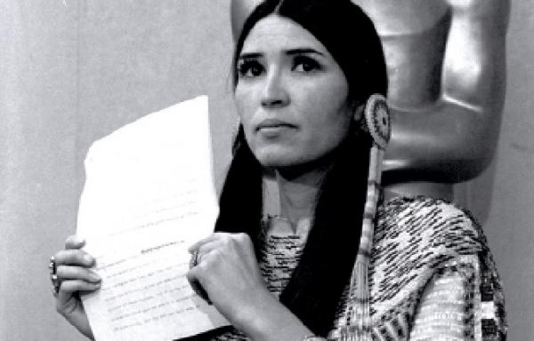 Sacheen Littlefeather, White Mountain Apache et Yaqui - Femme Amérindienne connue