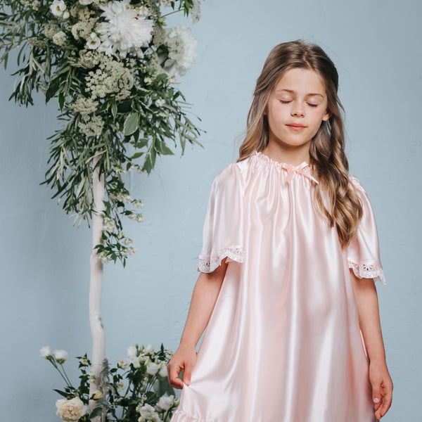 Luxurious girls' pink nightdress Agelea