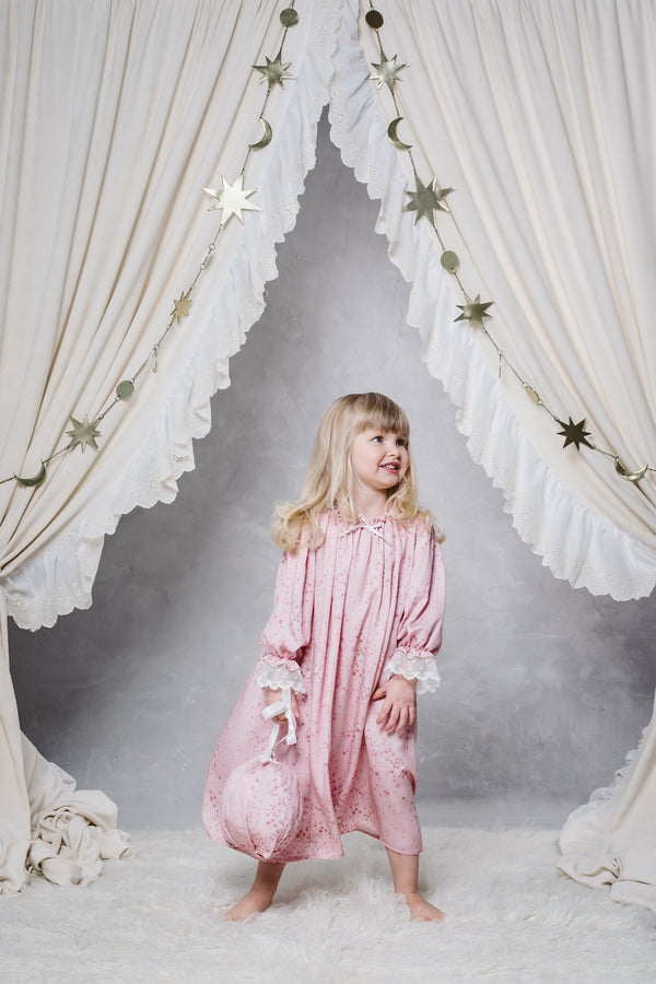 VICTORIA GIRLS' NIGHTDRESS IN PINK STARS