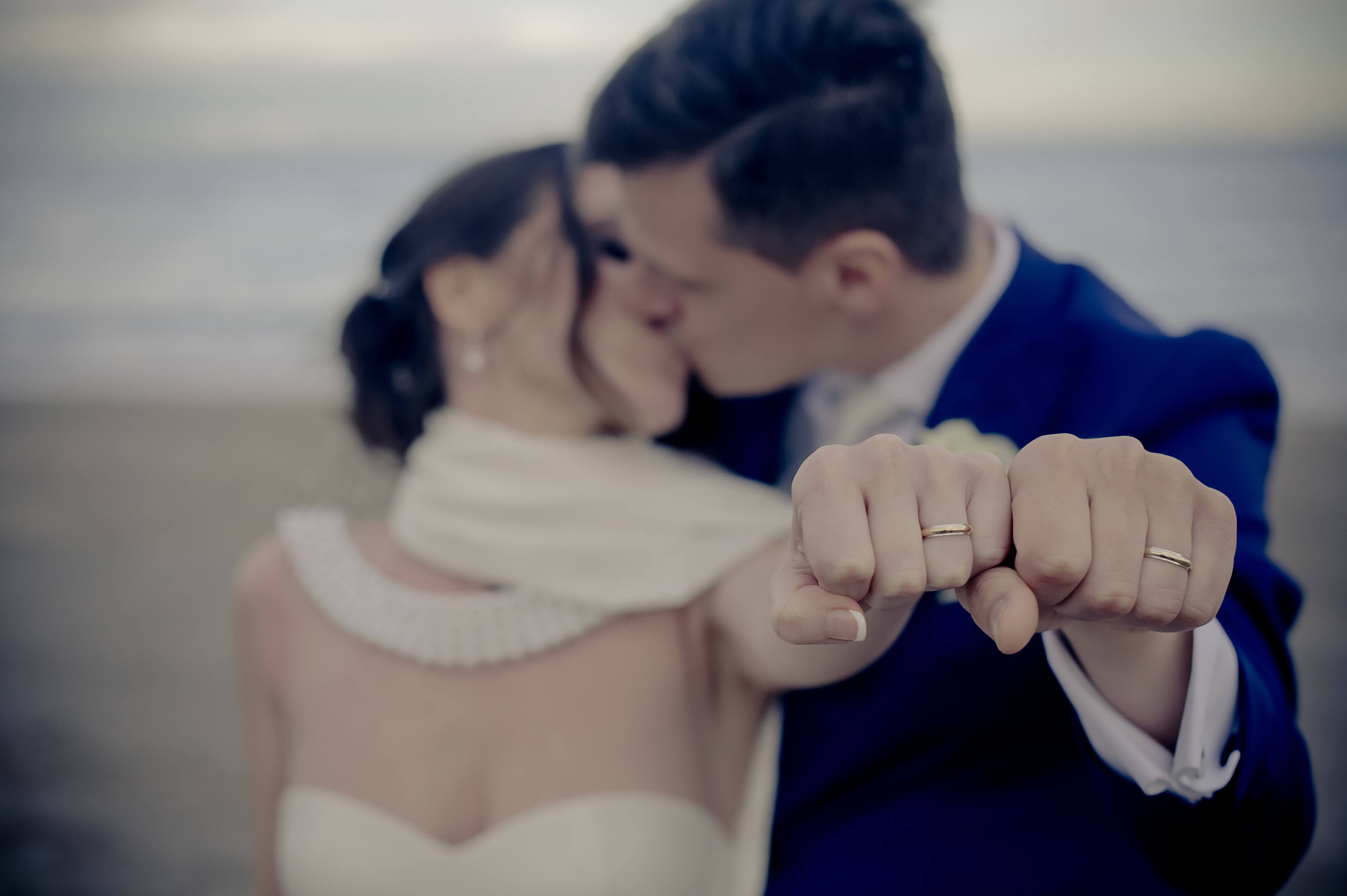 How To Choose The Right Wedding Ring | couple showing off ring