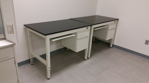 Kewaunee 4 ft lab desk (Pre-owned) - LEI Sales