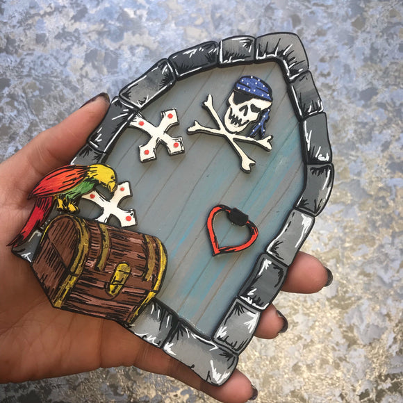 Pirate Skull and Cross bones Fairy Door