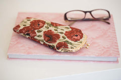 GPCH-POP | POPPY GLASSES SUNGLASSES POUCH CASE - www.signareusa.com