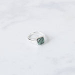 Signet Rect Ring I Emerald