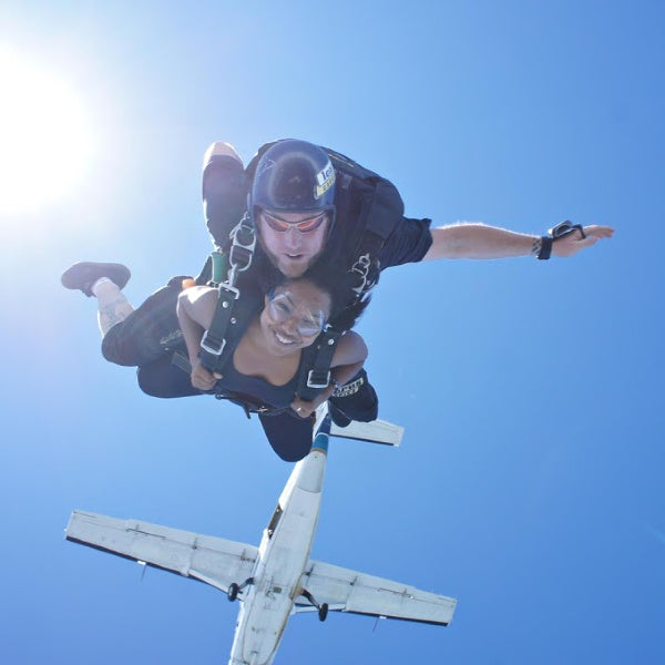DARING | Free as a Bird: the Adventure of Skydiving