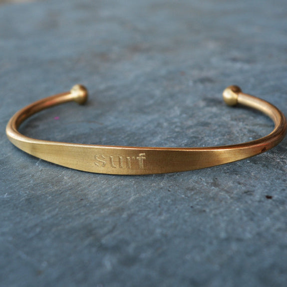 """Surf"" Engraved Men's Bracelet"