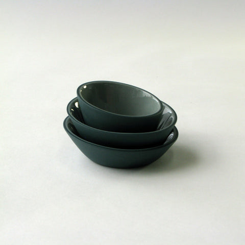 Porcelain Mini-Bowls in Dark Green & Light Green