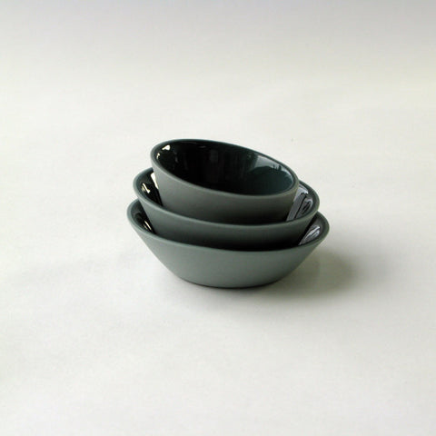 Porcelain Mini-Bowls in Light Green & Dark Green