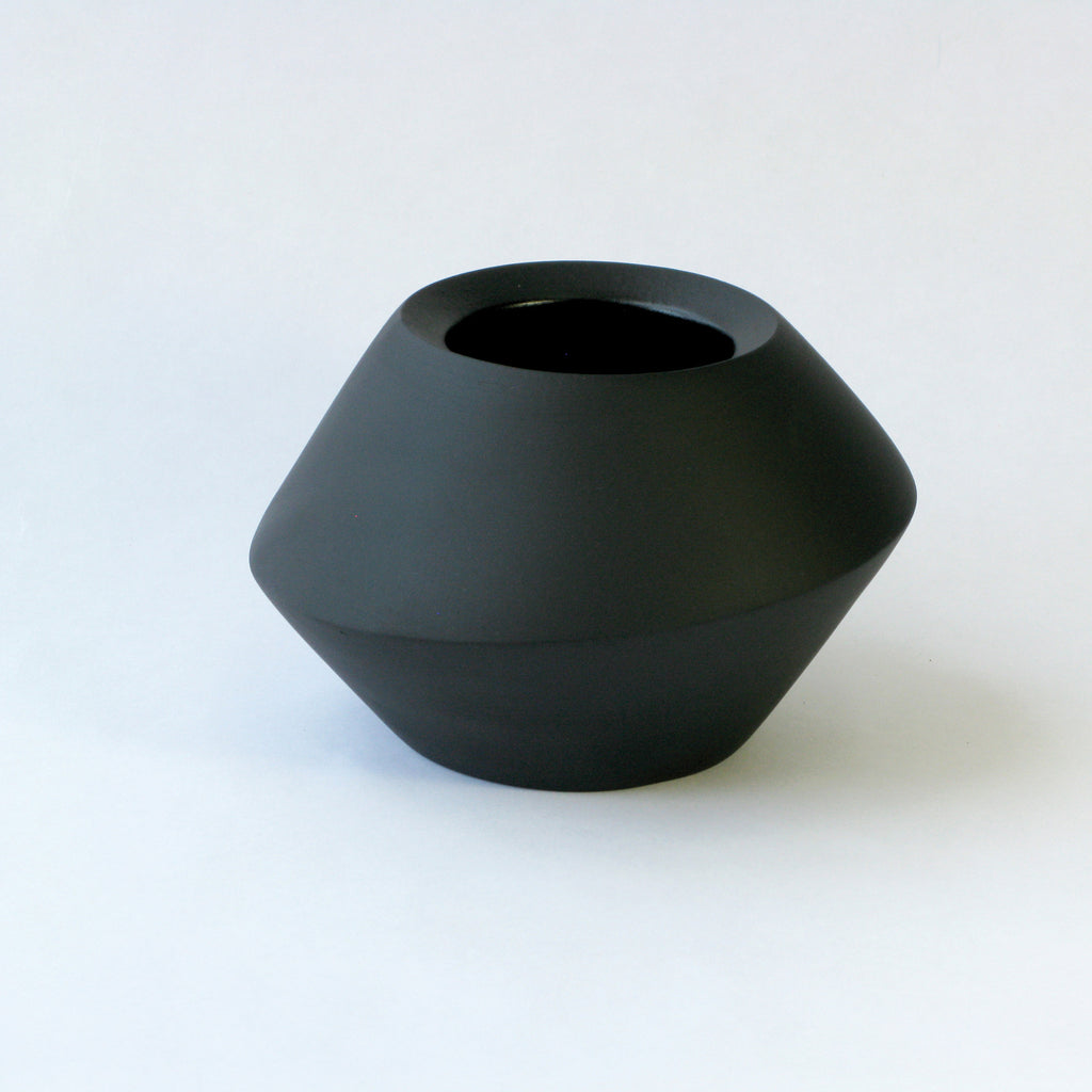Porcelain Spinner in Black