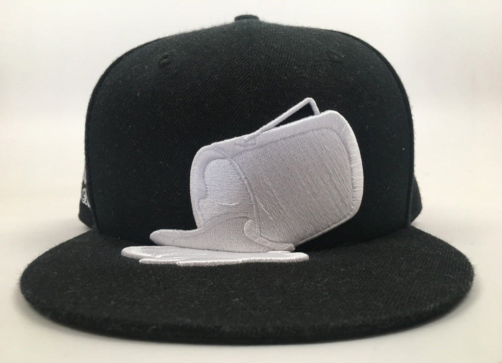 White on White Paint Bucket Hat (Size 7 3/8ths, Vintage 2011)