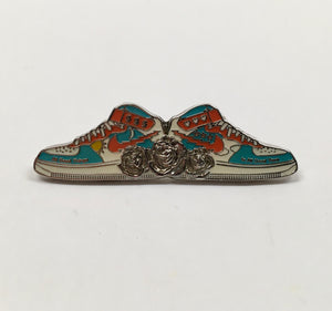 Run For The Roses Pin (Original, Silver, Vintage 2013)