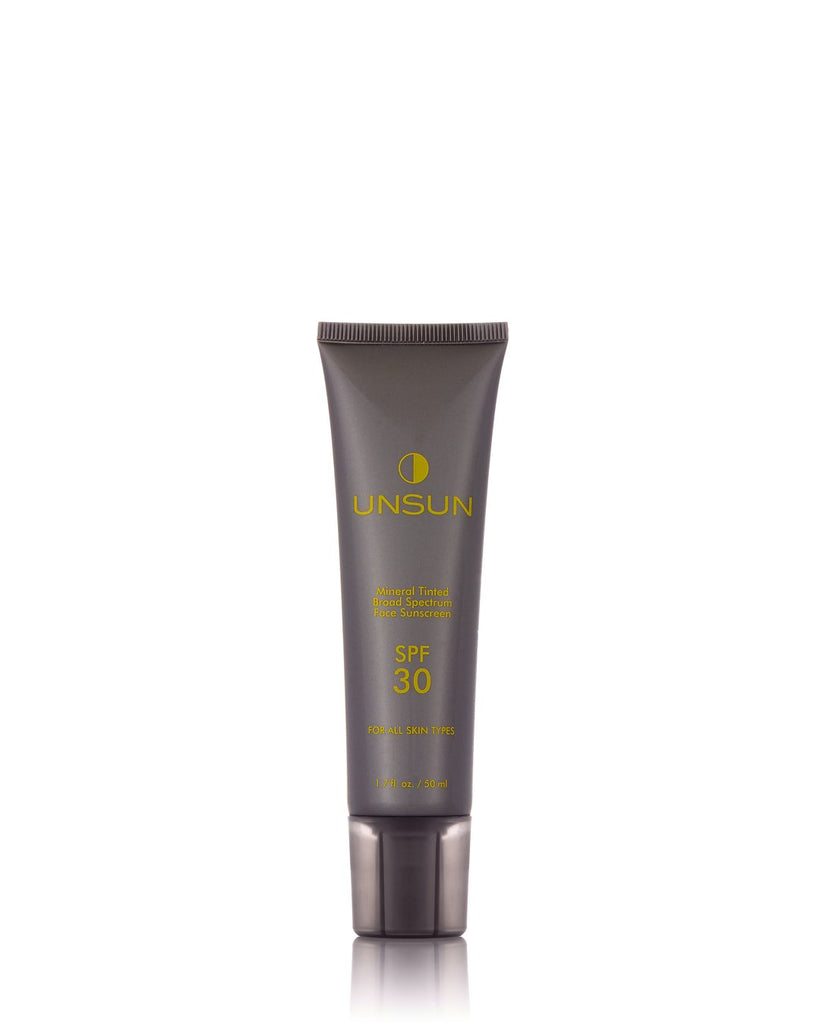 "Mineral Tinted Face Sunscreen In ""Light/Medium"""