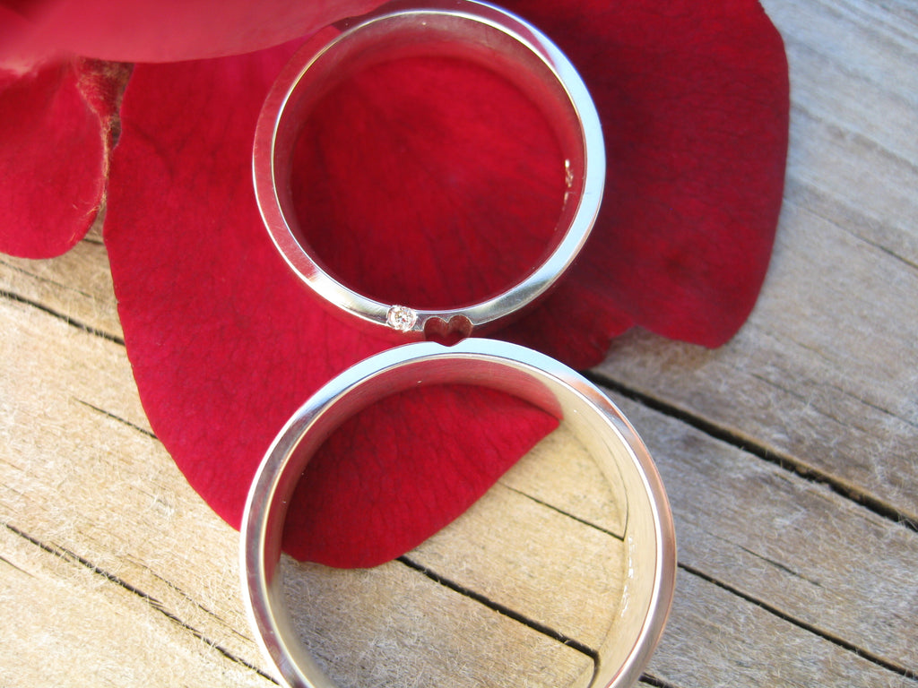 lina and jack heart wedding bands