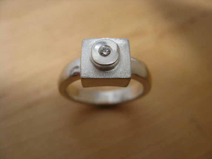 solo brick diamond ring