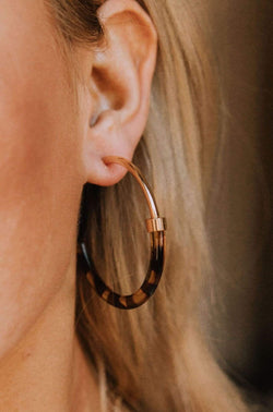 Accessories Nefirtiti Tortoise Hoop Earrings