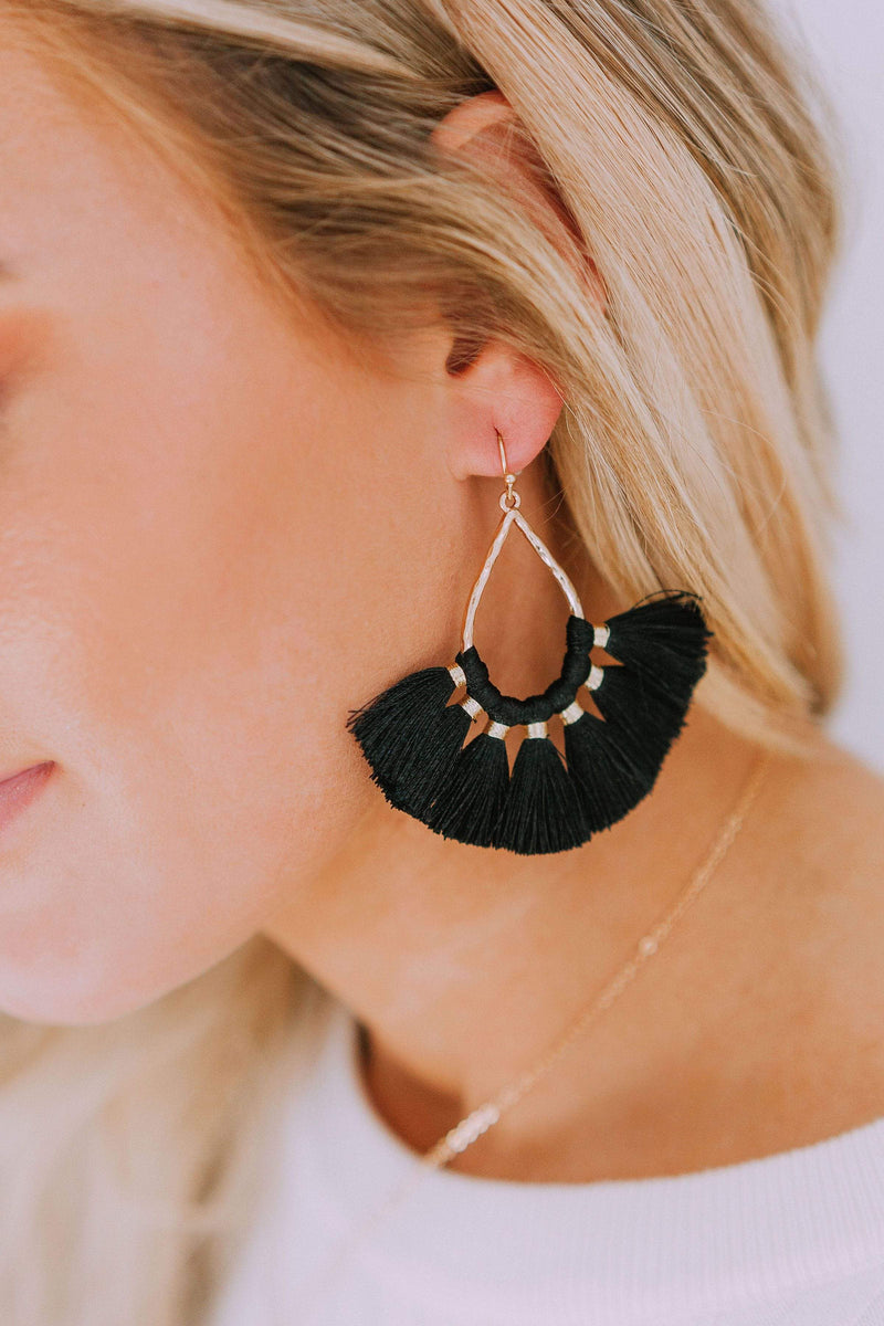 Accessories Sweep Me Off My Feet Earrings Black