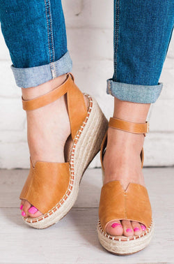 Shoes Berlin Wedges Camel
