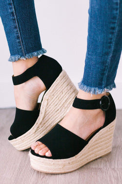 Shoes Buckled Wedges Black