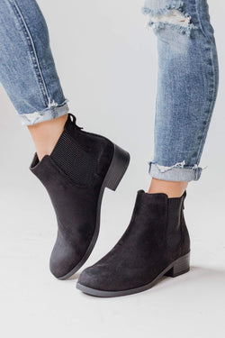 Shoes Chelsea Booties Black