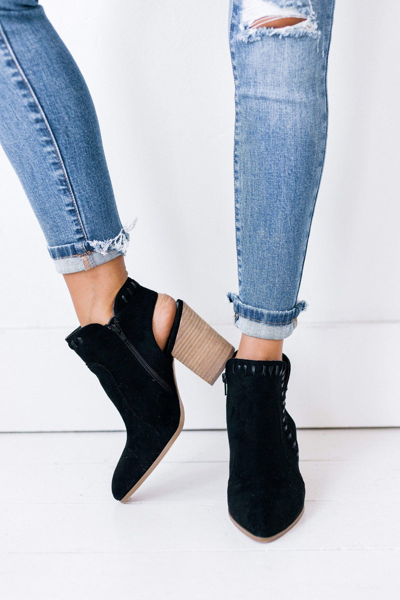 Shoes Lucky Bootie Black