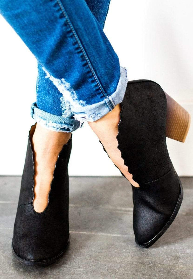 Shoes Scalloped Edge Booties Black 5.5