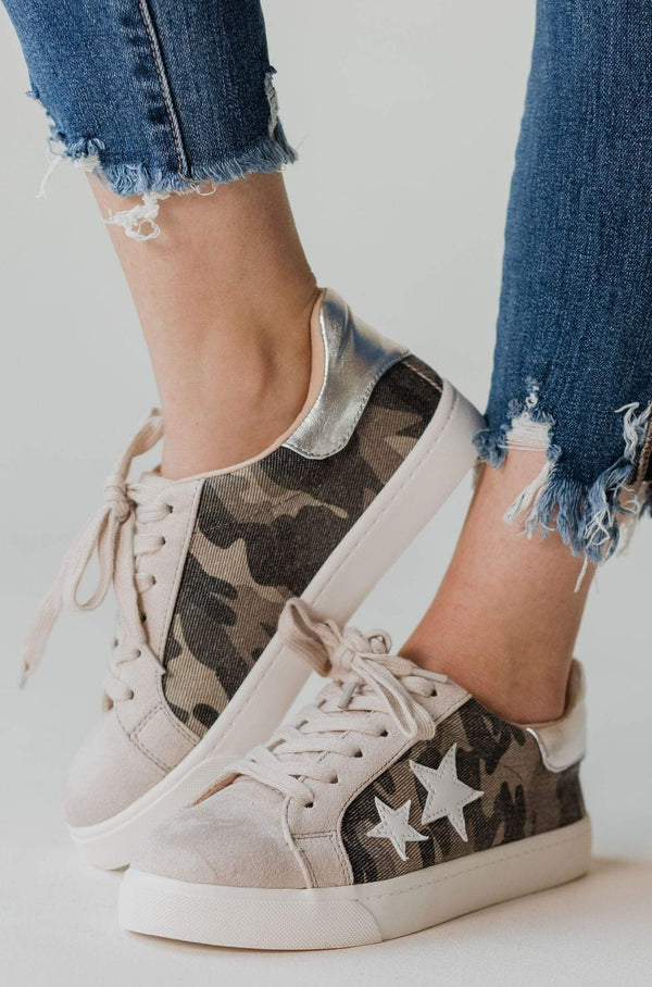 Shoot For the Stars Sneakers Camo