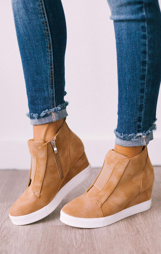 Zoey Wedge Sneakers Camel – Lucy Avenue