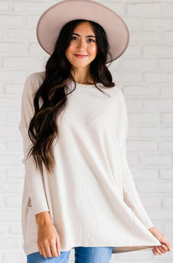 Top: Sweater Nova Relaxed Sweater Cream