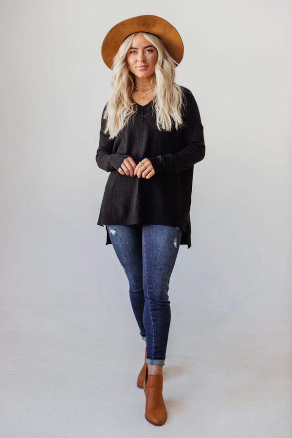 Tops EXCLUSIVE! Cam V Neck Sweater Black
