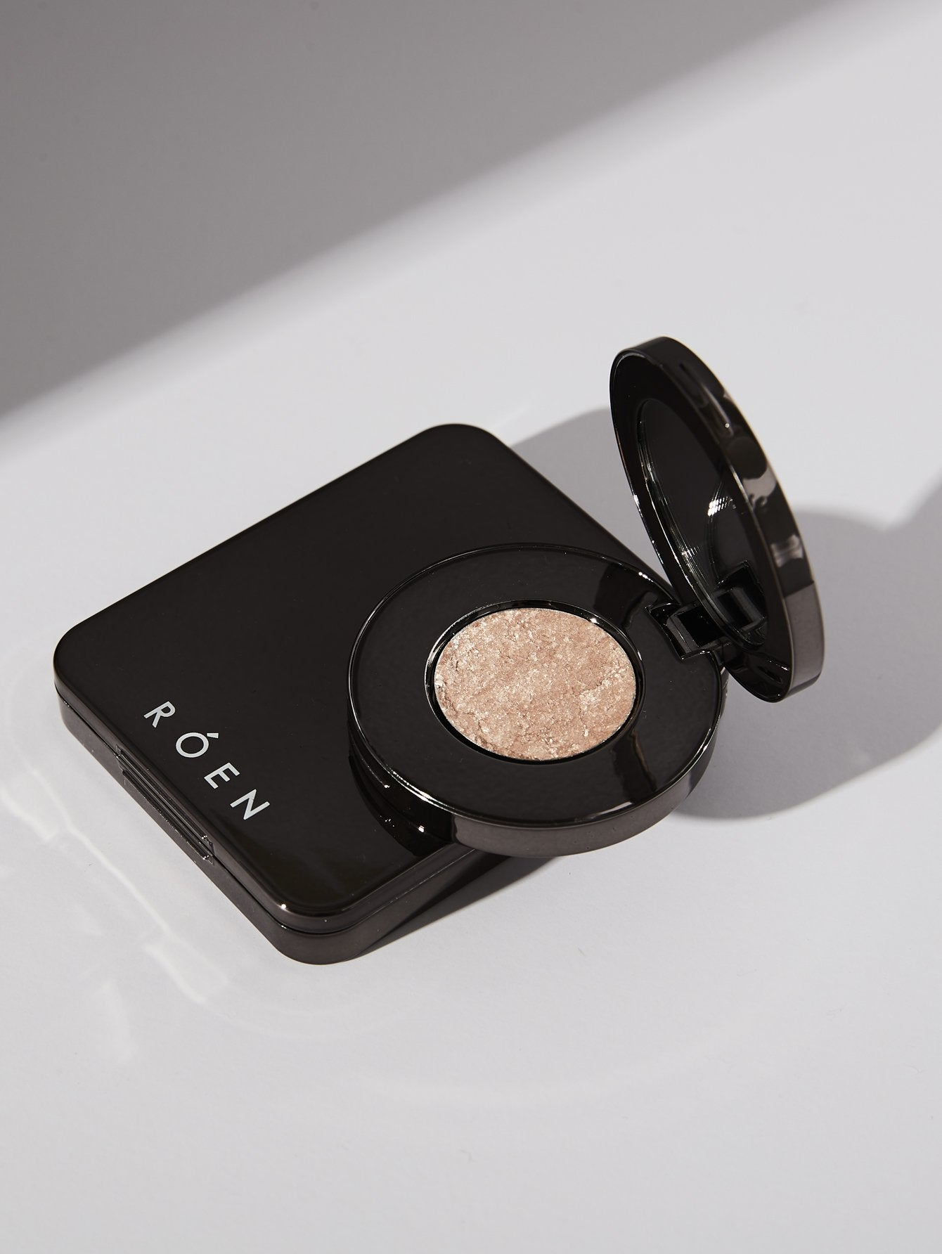 ROEN BEAUTY Makeup - Try our Disco Eye Shadow, this universal shade was made to offer the most unique and insane sparkle.