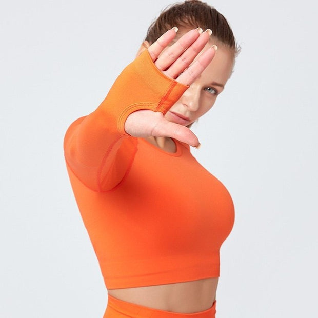 FOCUS SEAMLESS LONG SLEEVE CROP TOP