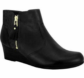 Comfortflex 16-99332 Wedged Ankle Boot in Black Napa