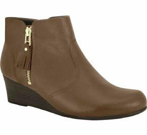 Comfortflex 16-99332 Wedged Ankle Boot in Brown Napa