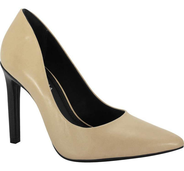 Ramarim 15-23105 Pointy Toe Pump in Skin and Black