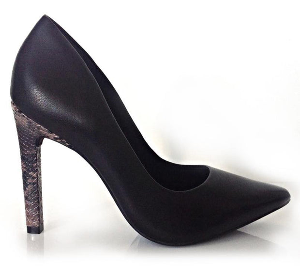 Ramarim 15-23272 Black Leather Pointy Toe Pump