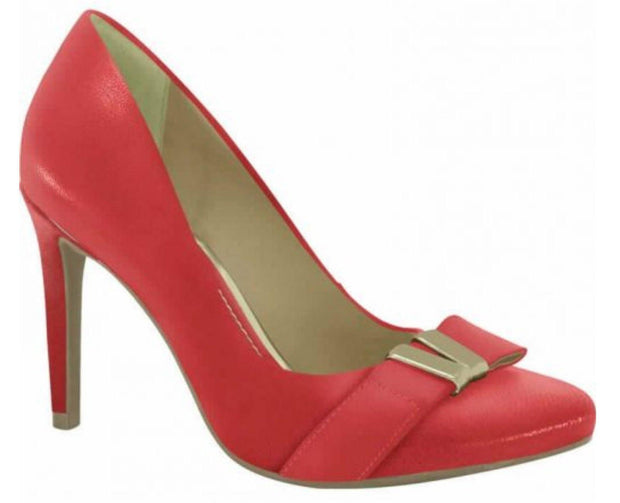 Ramarim 15-25106 Round Toe Pump in Red