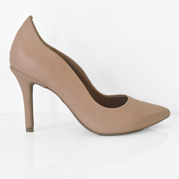 Ramarim 16-23152 Pointy Toe Pump in Amond Napa