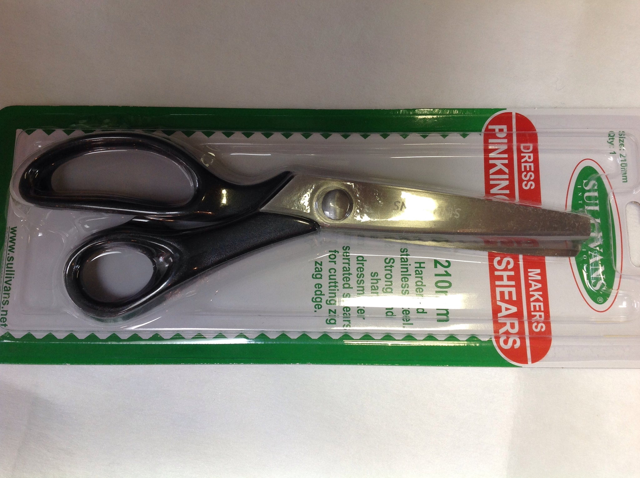 Sullivans - Dress Makers Pinking Shears