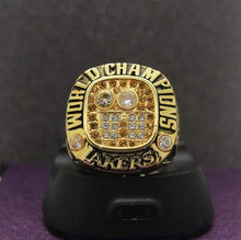 Load image into Gallery viewer, SPECIAL EDITION Los Angeles Lakers NBA Championship Ring (2001) - Premium Series